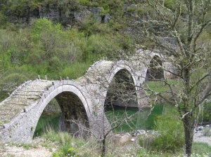 Three-arch-bridge-Plakida-near-Kipi